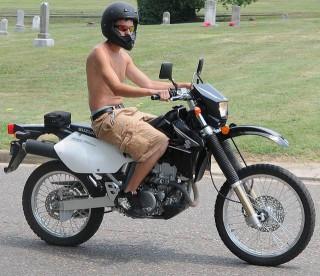 タイでバイクをレンタルする人必見!免許から盗難防止の駐輪ノウハウ