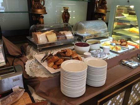 LKメトロホテル-朝食.JPG