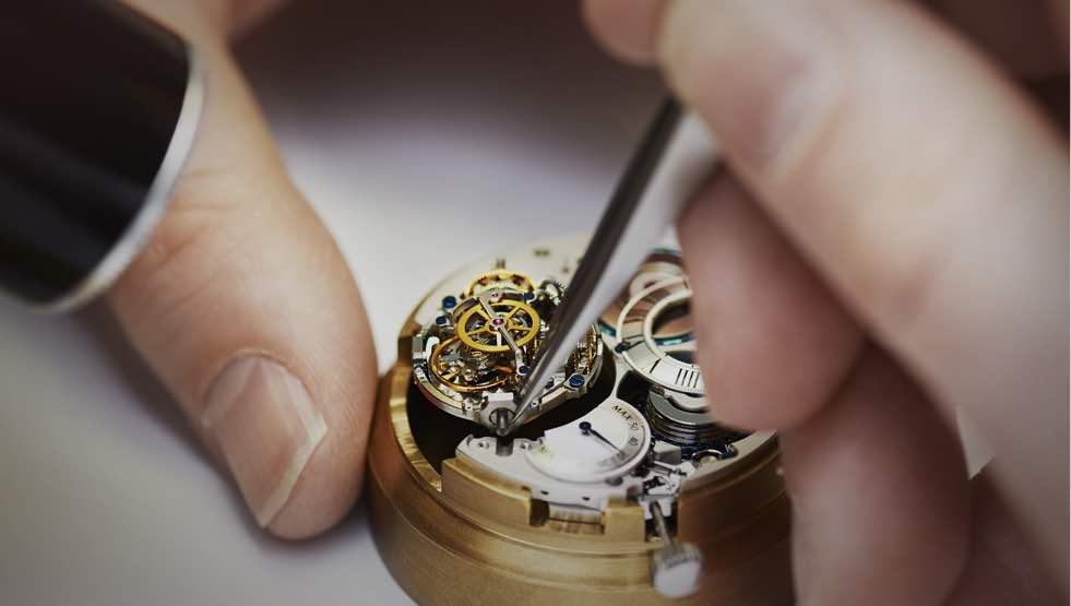 チェンマイで高級腕時計ロレックスを修理すると安いのか?