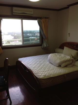 フローラルコンドミニアムの寝室