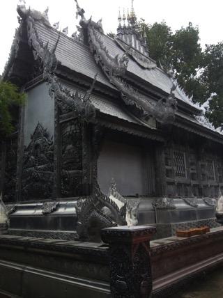 銀でできたお寺