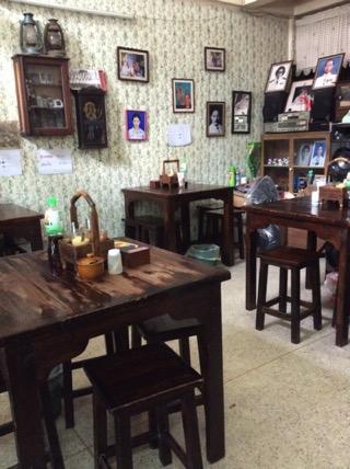 チェンマイムアングレーンの店内-1