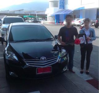 タイ新車購入の記念写真