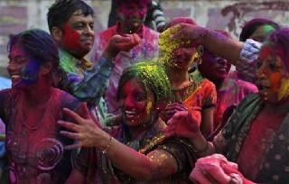 インドホーリー祭り