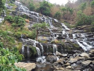 チェンマイで手軽に絶景が楽しめる『滝ハイキング』