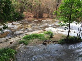 チェンマイのメーヤ滝の流れる川