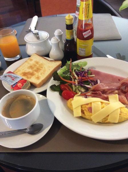 オーガストスイートパタヤの朝食−2