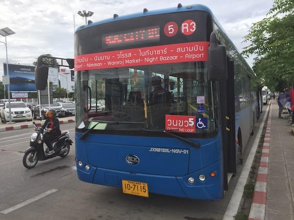 チェンマイ空港出発して右回りのルート赤いスマートバス