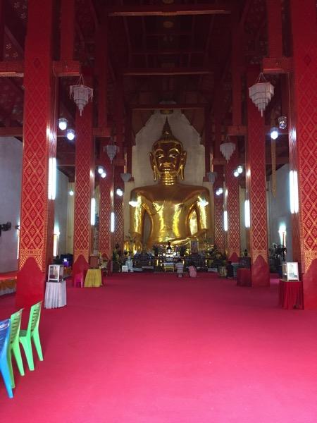 パヤオシーコームカム寺院のプラチャオトンルアン 1 jpg