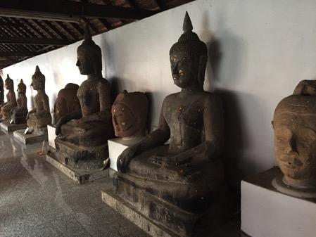 シーコームカム寺院の境内 2
