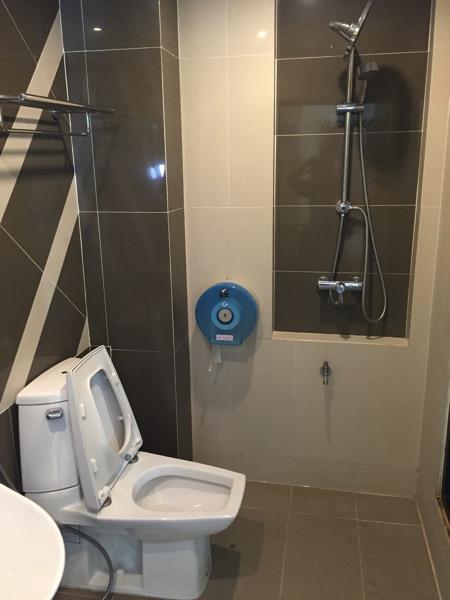 ウィン ホテル パヤオホテルのシャワールーム