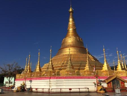 タチレクのパゴダ 仏塔