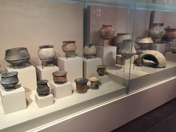 国立博物で展示されている土器-2