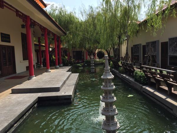 ウドンタニタイ中国文化センターの中庭