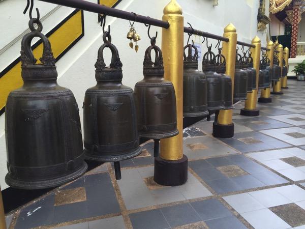 ドイステープ寺院の釣鐘