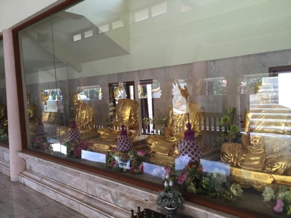 ウドンタニ第三級王室寺院ポティソンポーン寺の境内 2
