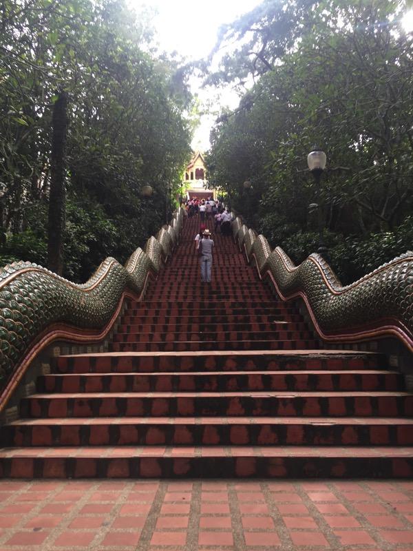 ドイステープ階段
