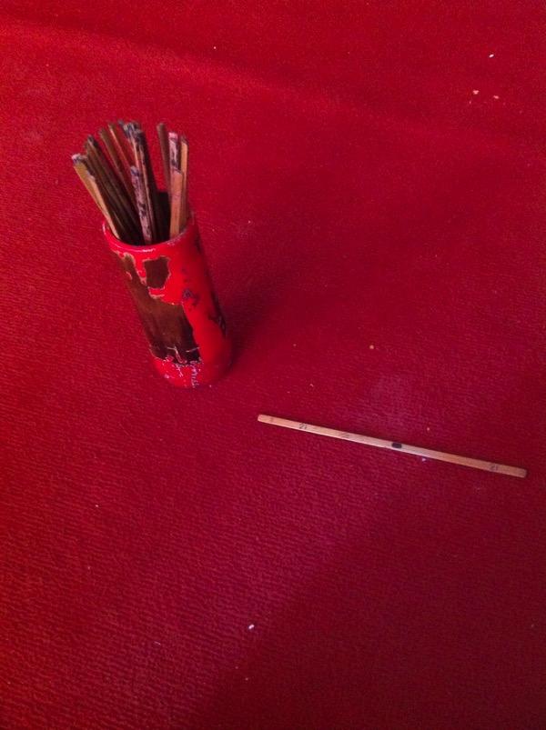 ドイステープ寺院のおみくじの筒の中のから出た木の棒