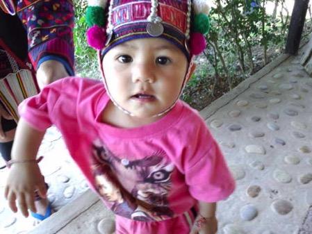 タチレクの首長族の村の子供 2