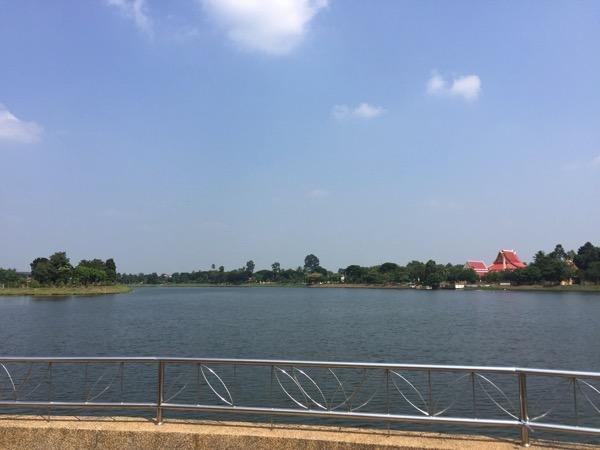 ウドンタニチャルームプラギアット公園の貯水池