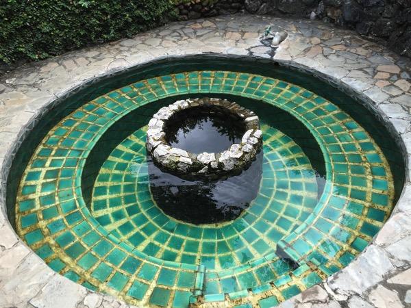 ポーンドゥアット森林公園の温泉 1