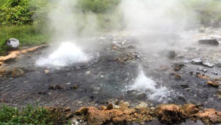 ポーン・ドゥアット温泉森林公園の間欠泉