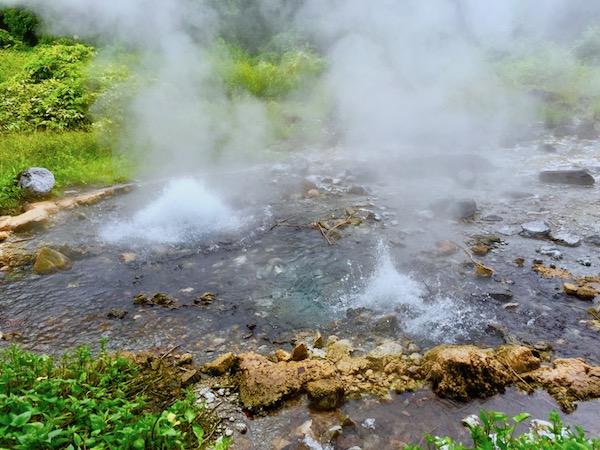 チェンマイの森の中にある間欠泉ポーンドゥアット温泉