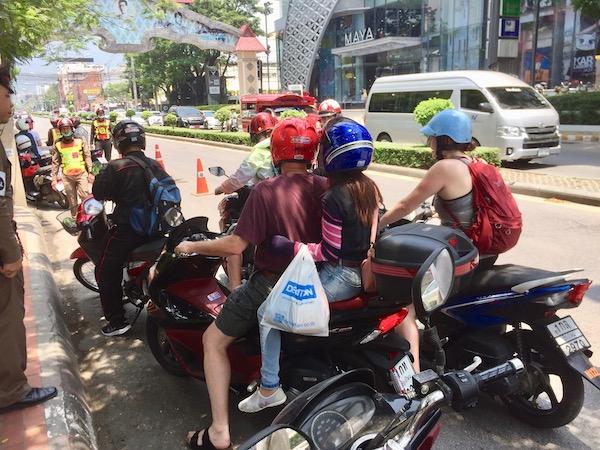 チェンマイの交通違反取り締まり