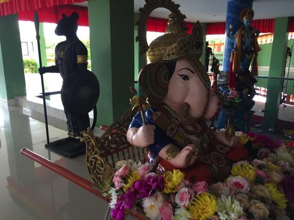 チェンマイのガネーシャ博物舘の神社 1