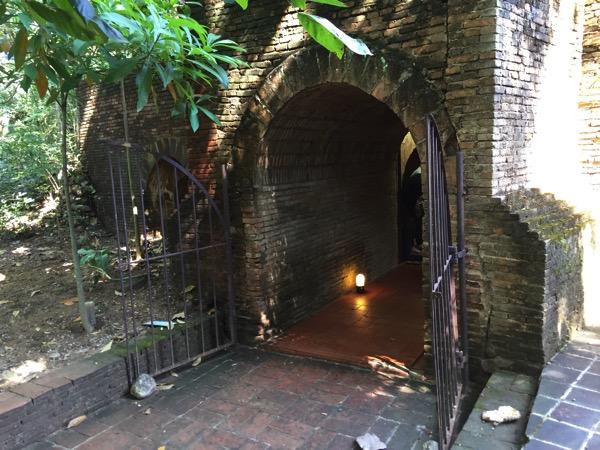 ワットウモーンの反対側の出口
