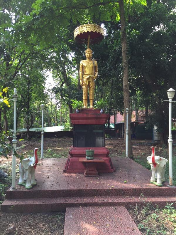 マンラーイ王の像