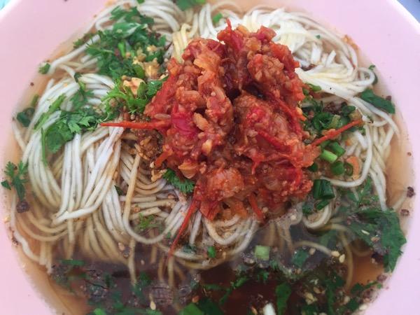 チェンマイ雲南朝市の米麺