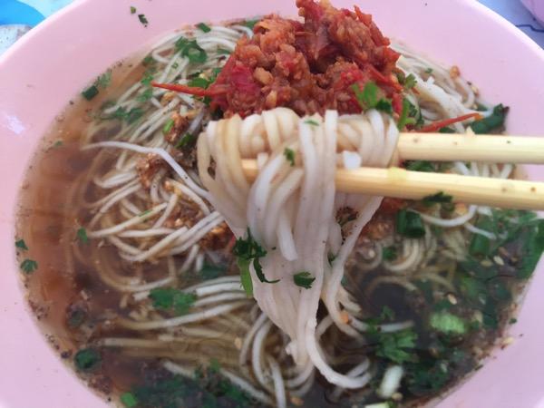 チェンマイ雲南朝市の米麺−1