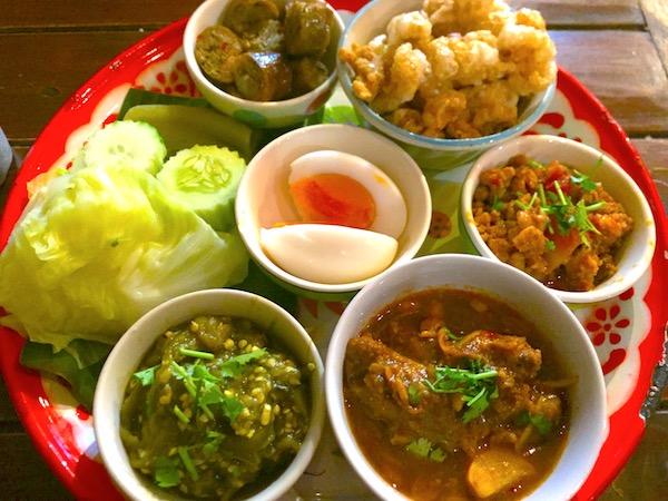 チェンマイにきたらタイ北部料理の代表激うまディップを食べよう!