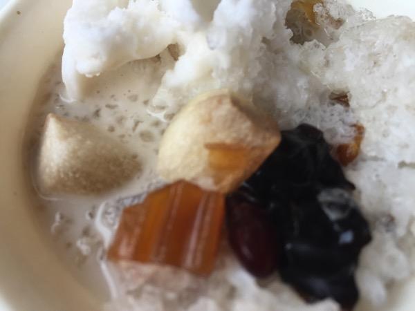 サアードのココナッツアイスの具