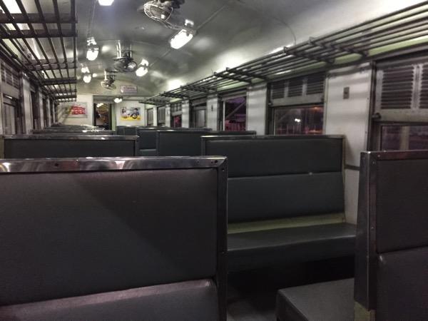 タイ国鉄の列車内