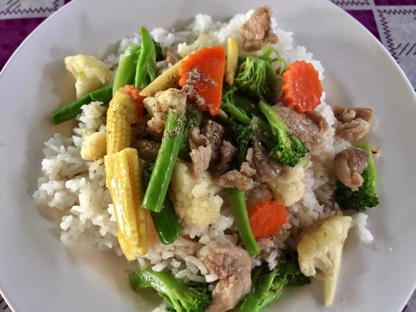 豚肉とミックス野菜炒めもの|カオラードパッドパックルアムミットムー