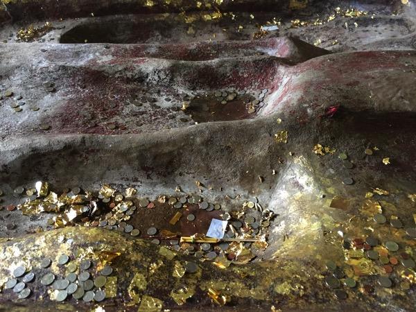 ワットプラプッタバートシーロイの仏足石 3