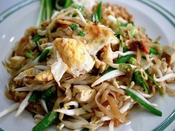 タイ料理が苦手な人でも美味しく食べれるタイ風焼きそばパッタイ