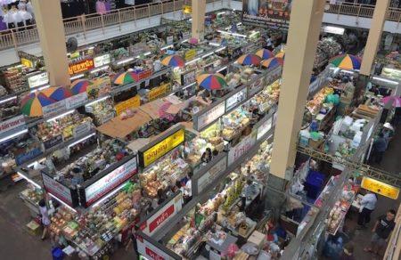 チェンマイ地元民がワロロット市場のおすすめ土産とグルメを紹介