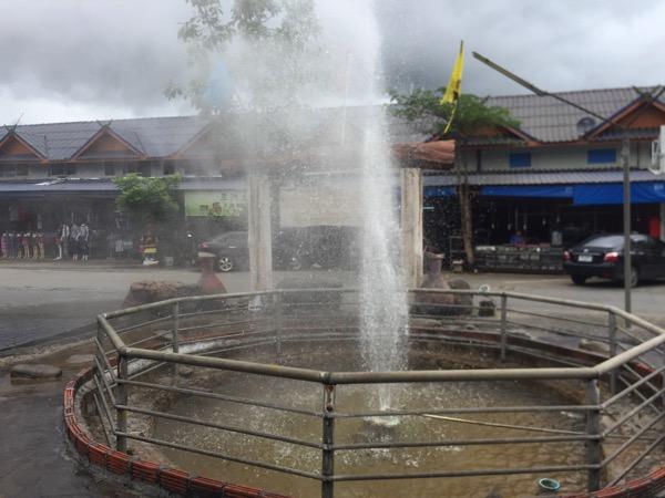 チェンライメーカチャン温泉の間欠泉