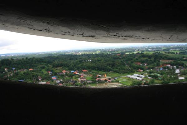 チェンライ県ワットフアイプラガンの観音像の23階からの景色 1