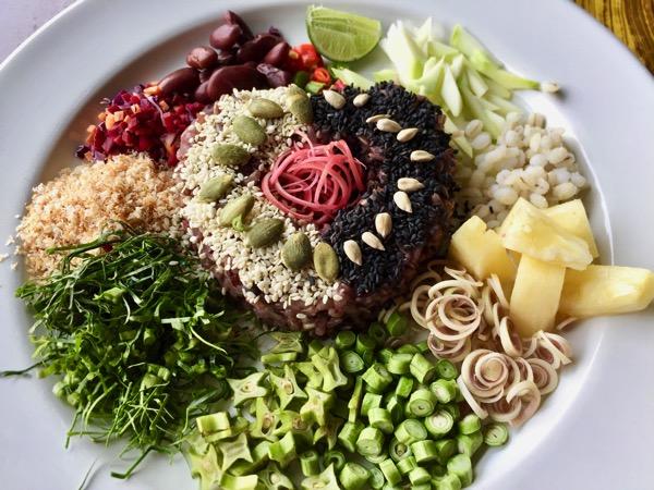 タイ旅行で何食べる?ヘルシー女子なら迷わずタイのライスサラダ
