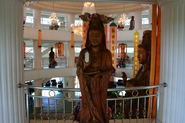 チェンライ県ワットフアイプラガン二階の観音菩薩像