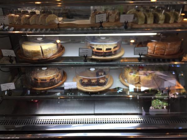 Manorom cafe Chiang Raiのショーケース
