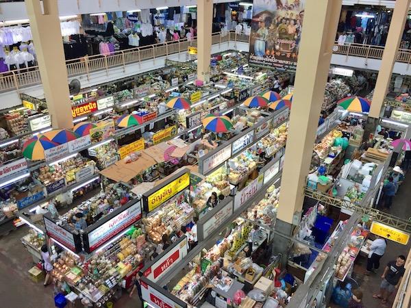 チェンマイ地元民のワロロット市場の歩き方とオススメグルメベスト5