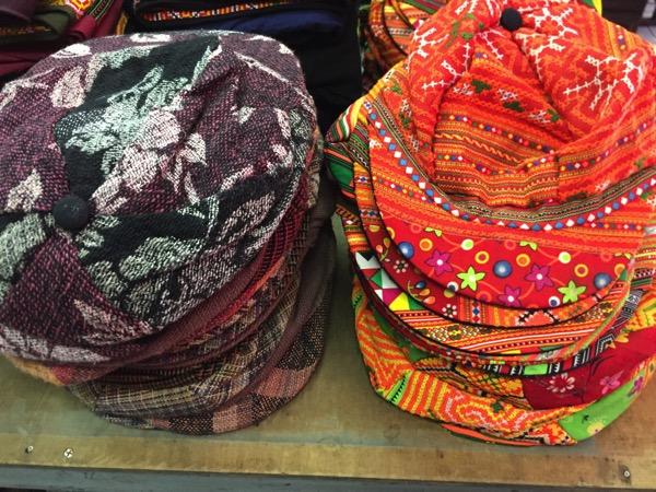 モン族市場の帽子 1
