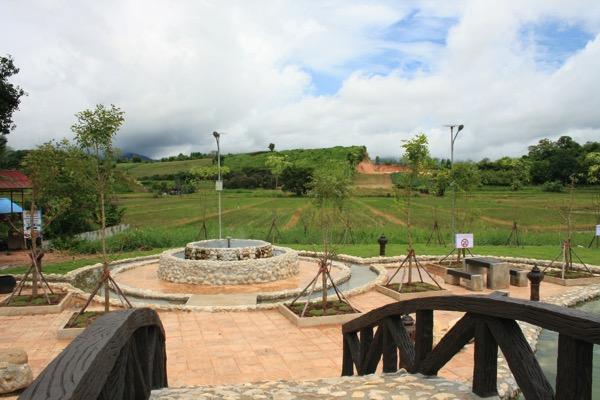 トゥンテェーウィー温泉の足湯 2