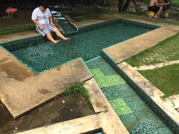 ポンプラバート温泉の足湯 2