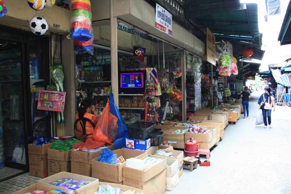 チェンマイのナワラット市場の様子 1